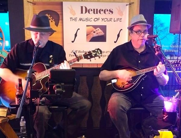 Dueces Duo